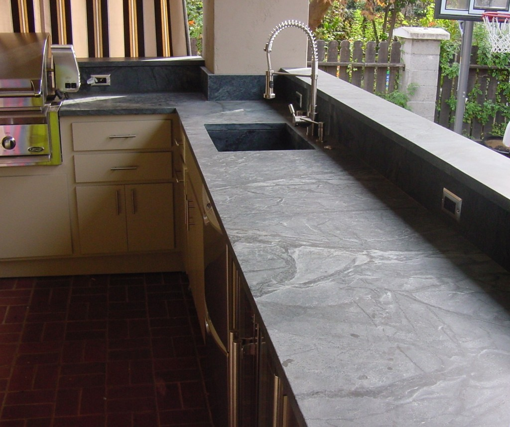 Soapstone-Outdoor-Kitchen